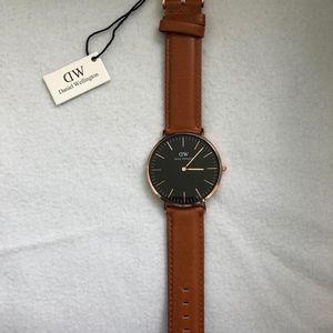 New & Authentic Daniel Wellington Watch DW00100126
